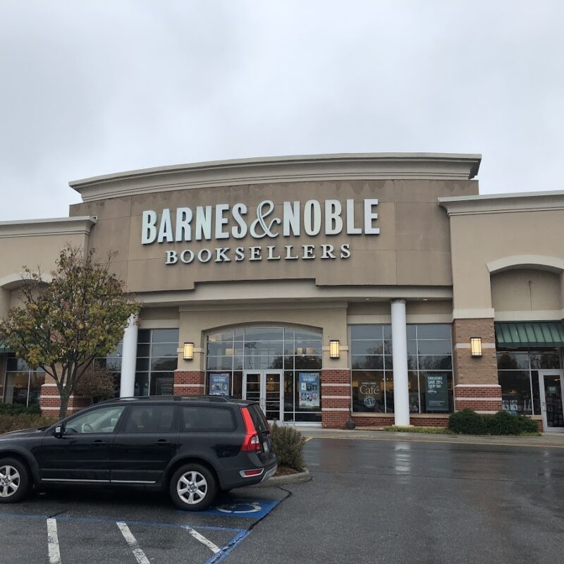 Barnes & Nobles Retail - Virginia Retail Property Management - N3 Real Estate